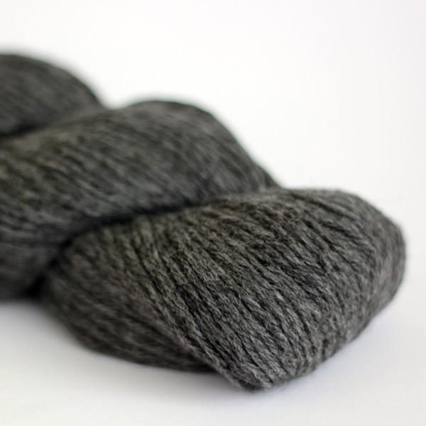 Cascade 220 - Charcoal Grey (8400)